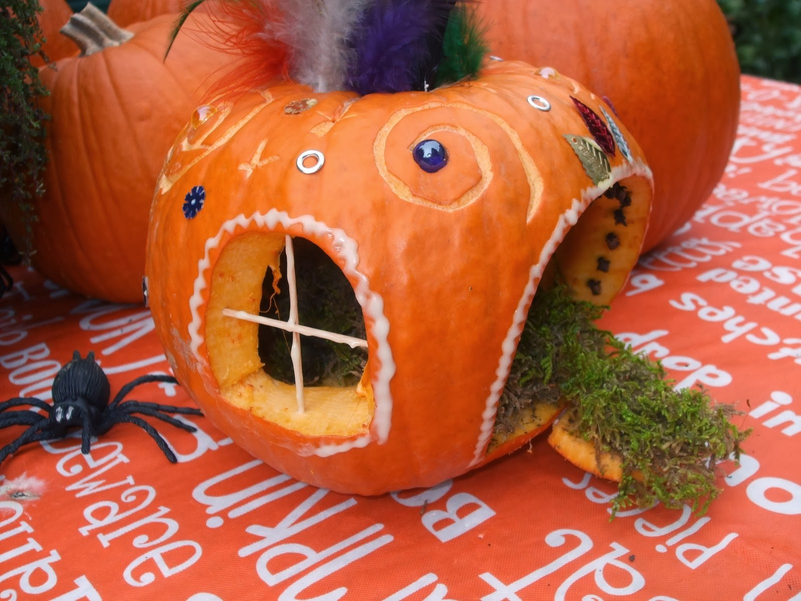 Jack-o-lantern fairy house pictures