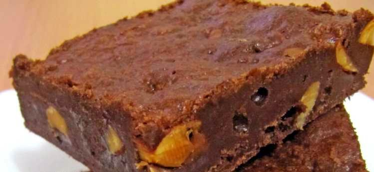 reteta usoara ciocolata de casa cu nuci caju si und de arahide