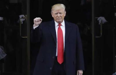 डोनाल्ड ट्रंप ने अमेरिका के 45वें राष्ट्रपति के तौर पर शपथ ली