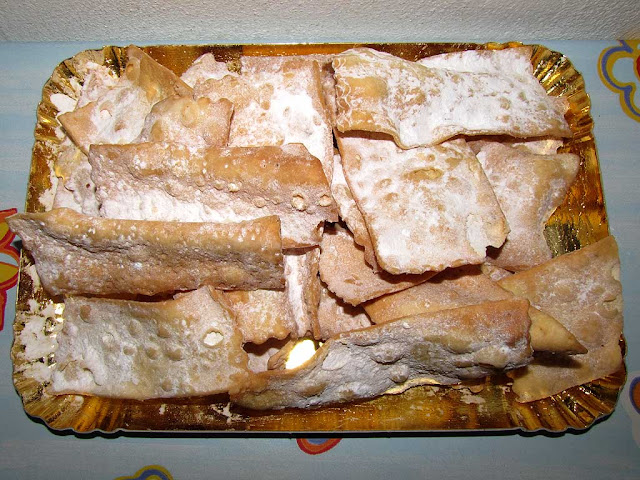 Angel wings, cenci, bugie, chiacchiere, Livorno