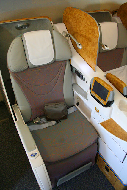 Business class seat on Emirates Boeing 777