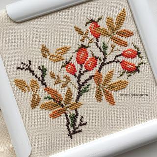 вышивка крестом осенний шиповник из датской книги Broderede blomster, blade og bær / Вышитые цветы, листья и ягоды Ingrid Plum