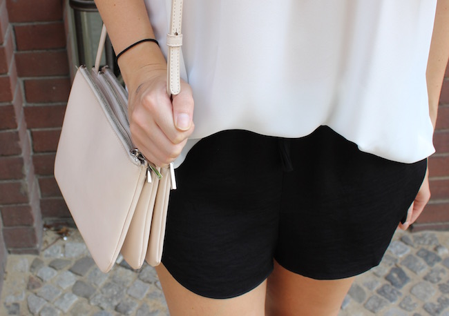 TheBlondeLion Look Fashion Off Shoulder Carmen Shirt Shorts Trio Bag