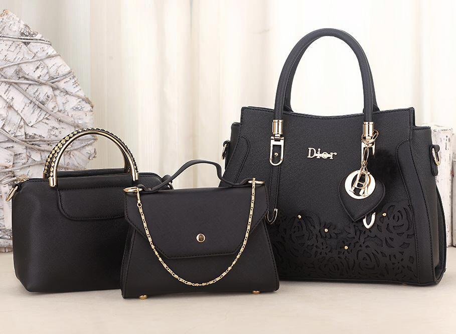 HANDLE HEIGHT   16CM STRAP LENGTH   110CM OPENING CLOSER   ZIP CONTENT   A4  GRED   AAA WITH Dior LOGO And DIOR KEY CHAIN. FREE ITEM 1 DIOR HANDBAG 65ba3f5f2a937