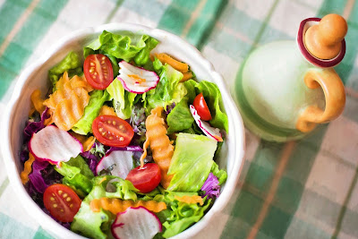 Eating a salad everyday is one of the most healthy eating habit