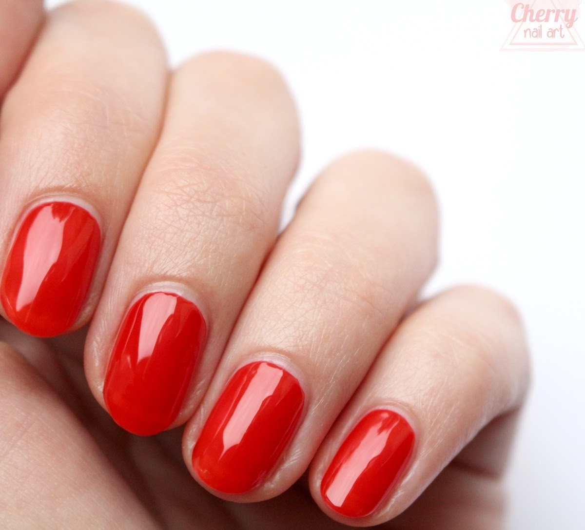 vernis-à-ongles-aromazone-rouge-passion