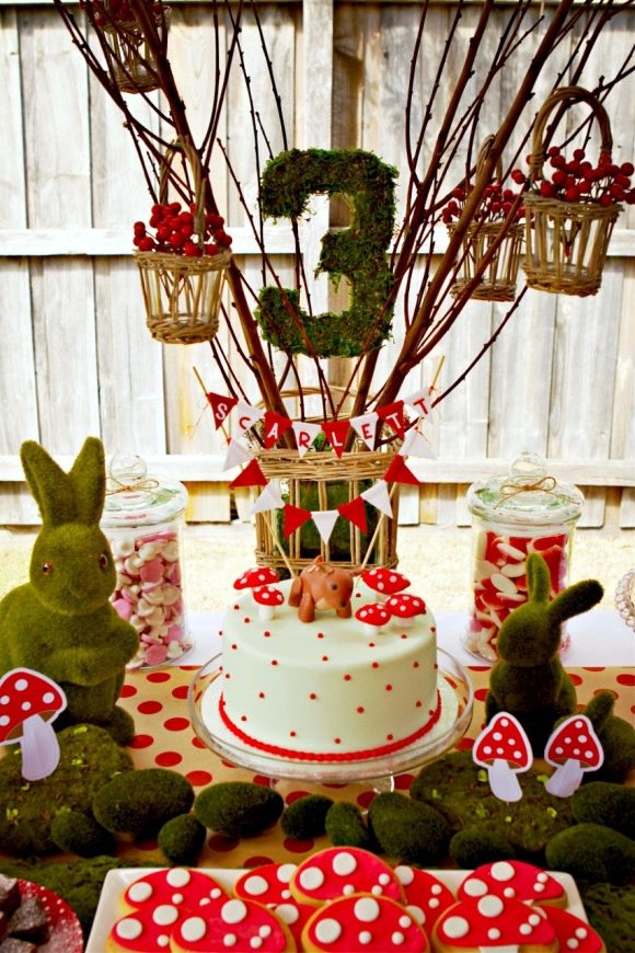 A Woodland Bambi Inspired 3rd Birthday Party- via BirdsParty.com