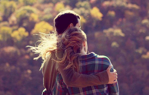 Tình yêu đôi lứa và những cái ôm diệu kỳ