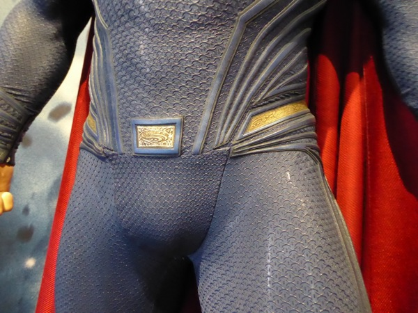 Superman Dawn of Justice waist costume detail
