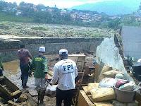 Habib Rizieq Intruksikan Relawan FPI Bantu Maksimal Korban Banjir Bandang Garut