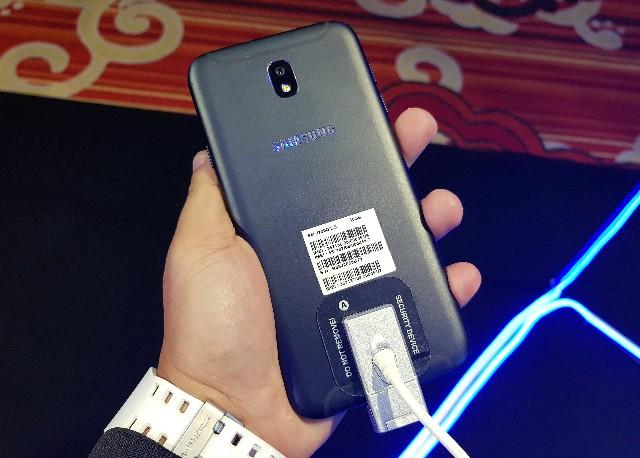 dd8b7a80f Samsung Galaxy J7 Pro debuts in PH  Specs