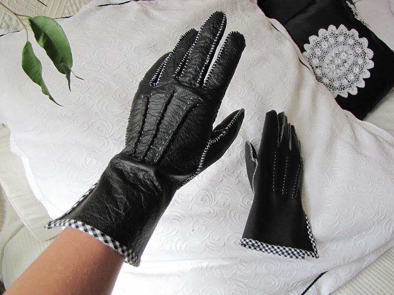 http://2.bp.blogspot.com/-YjjbjK8kTmM/T5bLdISTcMI/AAAAAAAACGA/T8TubGXNszU/s1600/Gloves+%E2%80%93+08.jpg