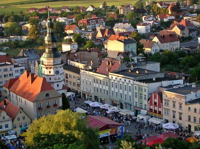 wieża zamkowa w Otmuchowie, ratusz miejski, kamieniczki