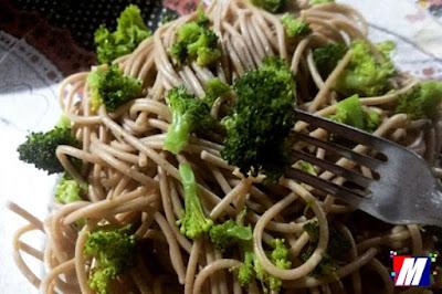 Spaghetti Integral ao Alho e Óleo com Brócolis (vegano)
