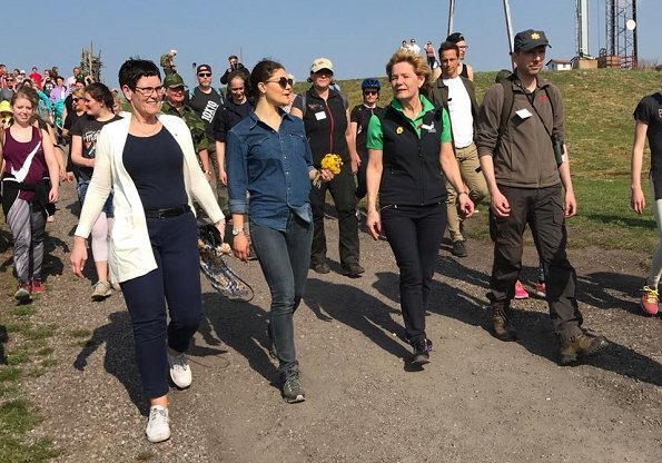 Sixth hiking of Crown Princess Victoria in Sweden takes place in Närke. Governor Maria Larsson welcomed Crown Princess Victoria to Närke