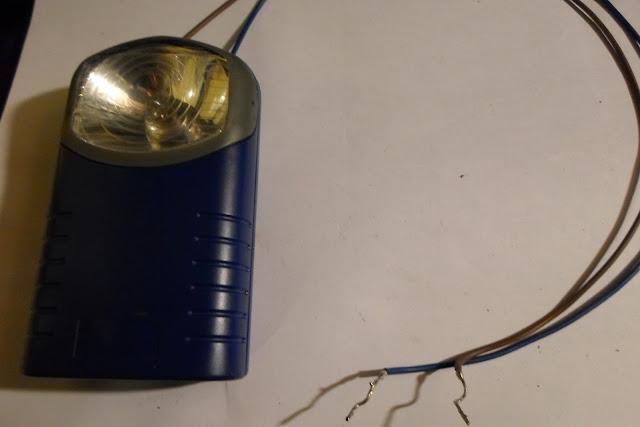 fils déconnecté lampe éteinte