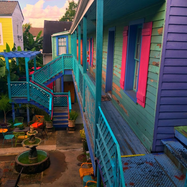 The Creole Gardens is a Bed and Breakfast Hotel located in the Garden District of New Orleans, Louisiana. A guesthouse inn that is pet and kid friendly.