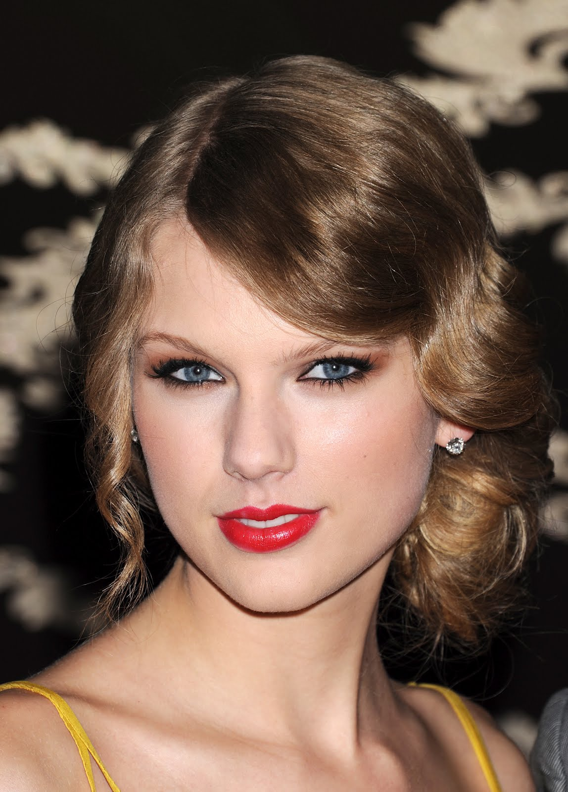 Taylor Swift Inspired Makeup Tutorial: Beauty Models Images: Taylor Swift