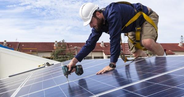 Solar-panel-installation-shutterstock_341987081-600x400