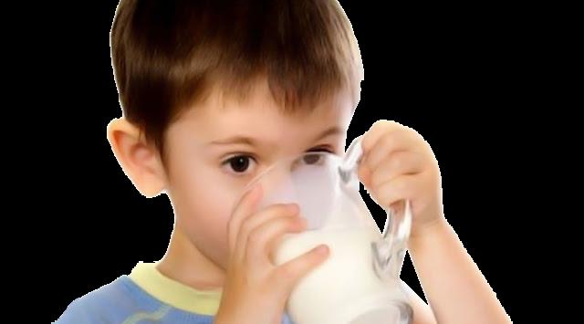 Tak Semua Orang Cocok Minum Susu, Berikut 6 Efek Buruk Susu Sapi