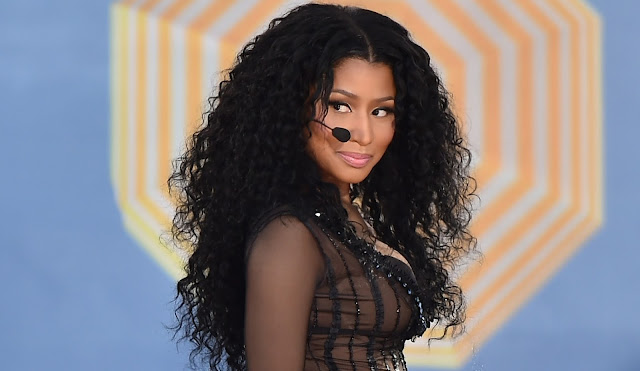 "Pedido atendido: Nicki Minaj - Live ""Feeling Myself"" + ""The Night Is Still Young"" on Good Morning America 2015."