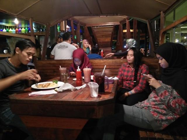 Makan Malam di Chop n' Steak Kg Baru