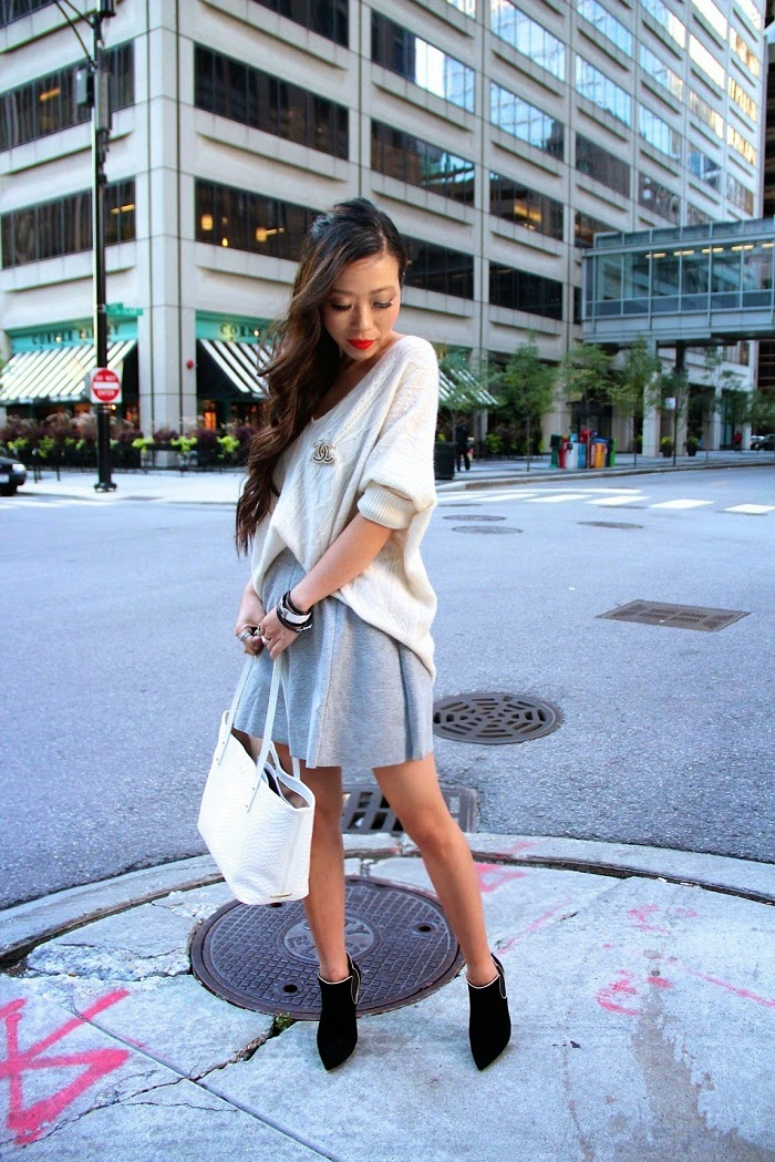 noisy may grey skirt,quinn cable knit sweater,casadei boots,chicago, travel,gigi new york phython bag,chanel brooch,hermes bracelets,streetstyle,shallwesasa