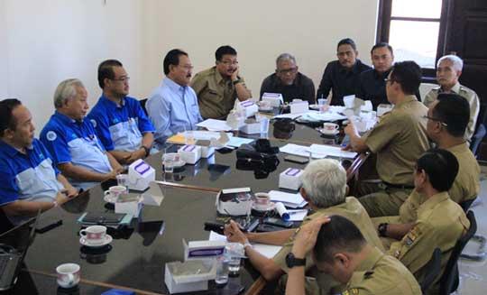 direksi pdam kota cirebon rapat bersama dewan