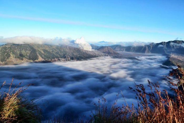 Indonesia Punya, 5 Destinasi Wisata Negeri di Atas Awan, Ayo Mampir !
