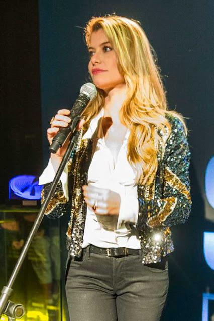 Diana Aline Moraes jaqueta
