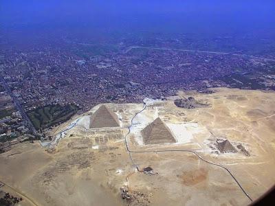 Pyramids at Giza - alternate view