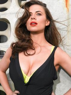 Hayley Atwell Curvy Cleavages