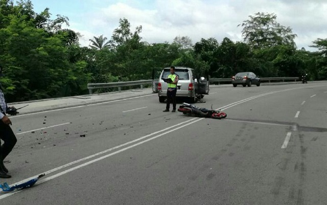 Kemalangan Ngeri, Penunggang Motorsikal Maut Badan Terputus Dua