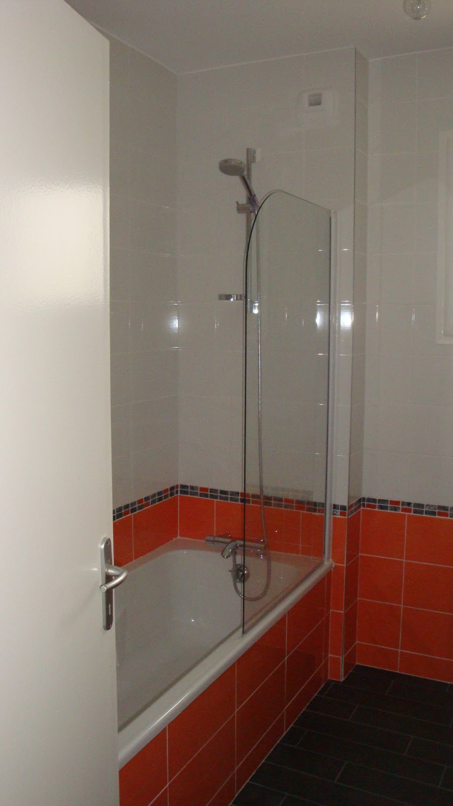Michel le coz agencement d coration salle de bain orange - Decoration salle de bain orange ...