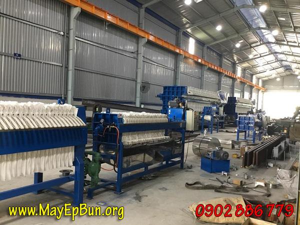 Xưởng luôn tăng ca để giao hàng máy ép bùn khung bản Việt Nam Vĩnh Phát đúng tiến độ