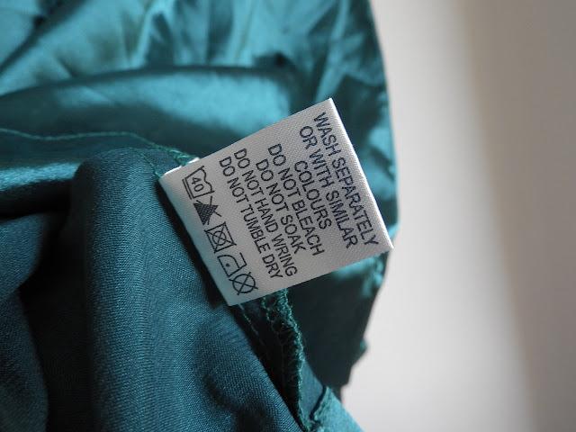 ¿Sabes el significado de los símbolos de las etiquetas de la ropa?