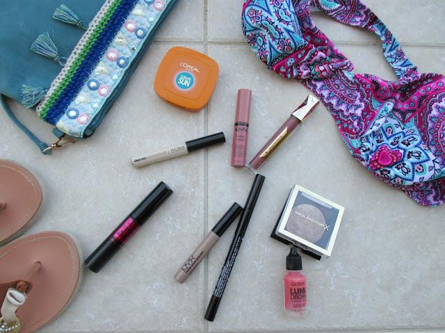 5 + 1 προϊόντα μακιγιάζ ιδανικά για τις καυτές μέρες του καλοκαιριού