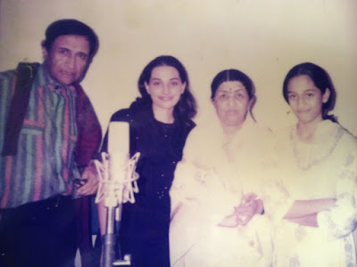 Shweta with Lata and Dev-Anand