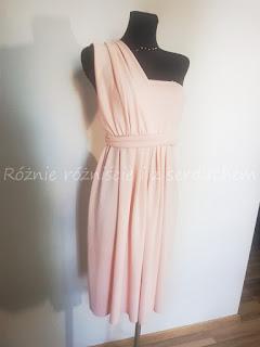 Sukienka na jedno ramię - przód
