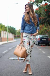 Ideias de looks com calça floral