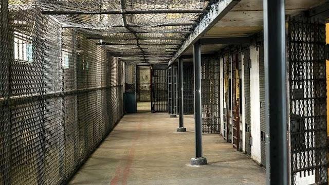 Un hombre que viajó a Filipinas para abusar de menores fue condenado a más de 300 años de cárcel