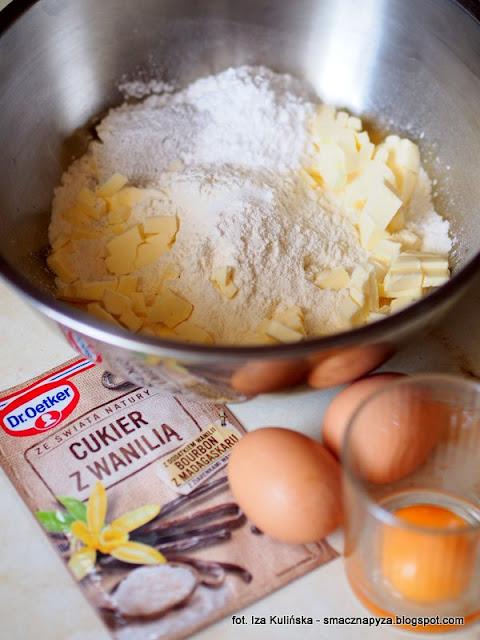 kruche ciasteczka, ciastka z lukrem, lemon curd, ciasteczka z kremem cytrynowym, cukier z naturalna wanilia, ze swiata natury, dr oetker, krem cytrynowy, wielkanoc, wielkanocne slodkosci, co upiec na wielkanoc, swieta
