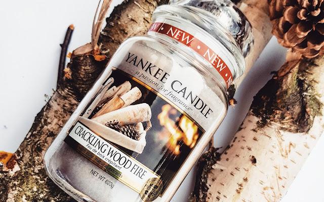 Drzewne ciepło na zimne wieczory - Cracking Wood Fire Yankee Candle - Czytaj więcej »