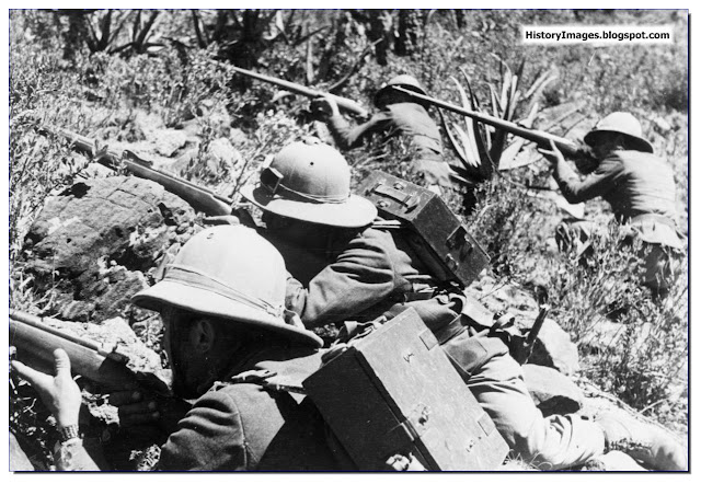 Italian soldiers action Abyssinia 1935