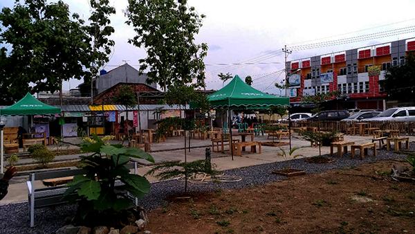 Titik Singgah Kota Metro, Kuliner Berkonsep Taman