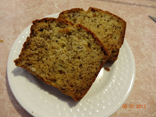 Toast to roast banana bread with walnuts httpfoodnetworkrecipestyler florencebanana bread with pecans recipeindexml forumfinder Image collections