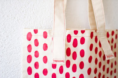 dotted tote, tote, diy tote, diy projects, do it yourself projects, diy, diy crafts, diy craft ideas,