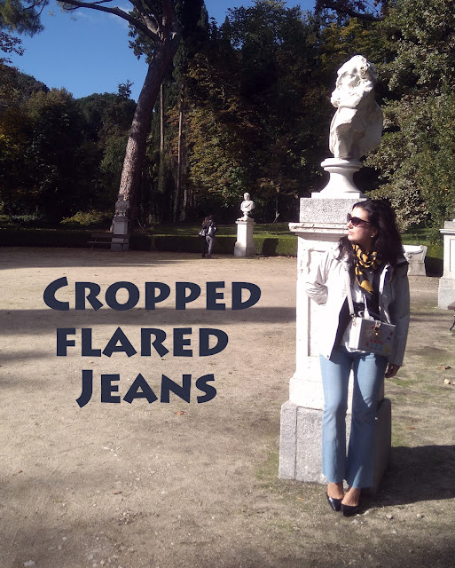 Cropped-flared-Jeans