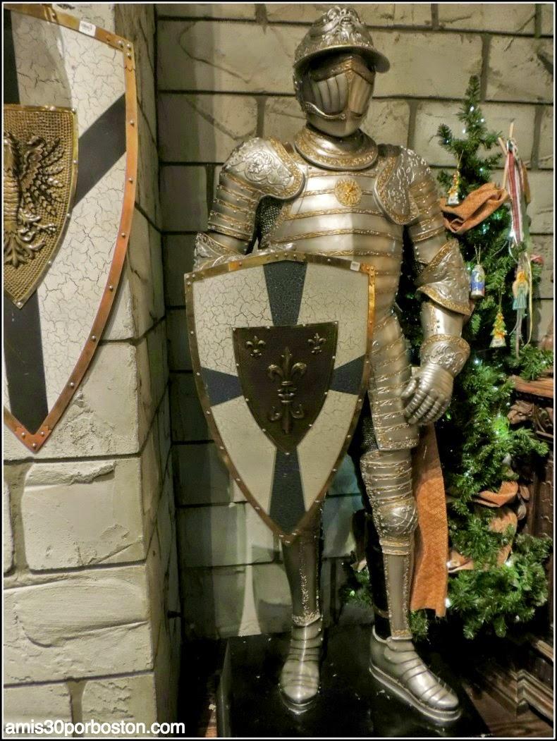 Yankee Candle Village: Armaduras Medievales en el Nutcracker Castle