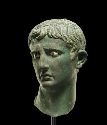 Η χάλκινη κεφαλή του Αυγούστου αποκαλύπτεται μετά από 118 χρόνια